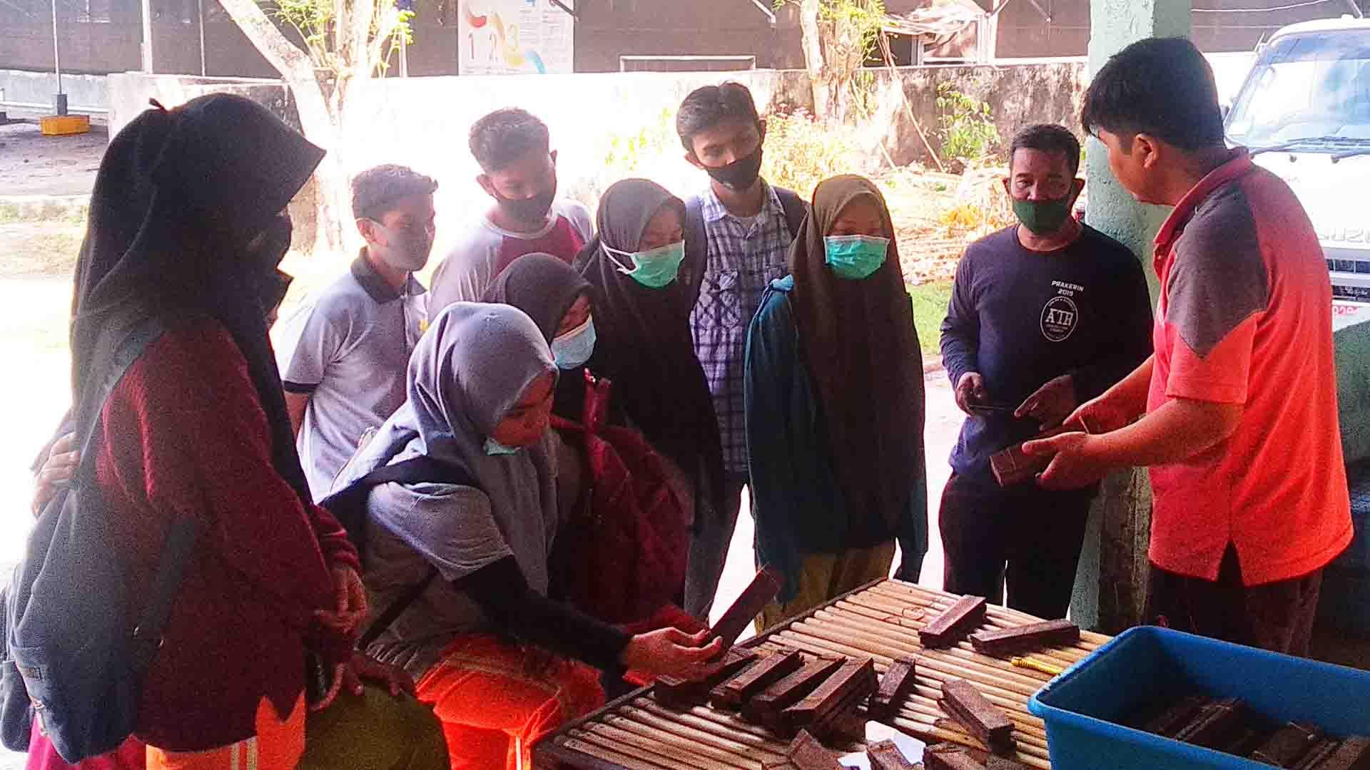 GALLERY: Visit from vocational high school Kediri, West Lombok